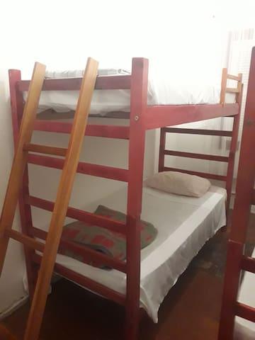 Quarto feminino - beliche 1 - cama 1