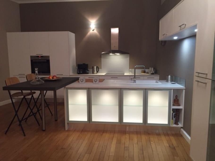 Equipped kitchen 30m2 / Cuisine équipée de 30m2