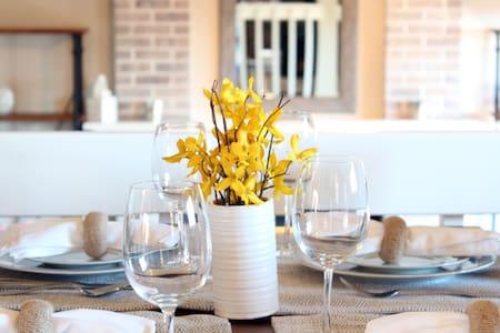 Elegant, spacious and quiet Colorado Springs home! - Colorado Springs - Hús
