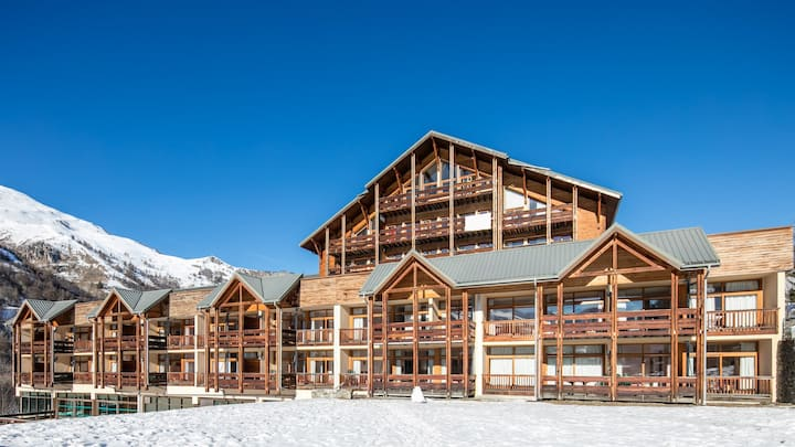 Piscine Intérieure + Navette Gratuite + Local à Skis | Studio Confortable