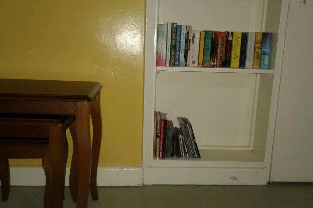 Living room, Mini LIbrary