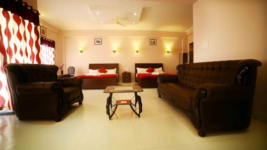 Cozy Superior ( Non A/C) room in wayanadia-Kerala