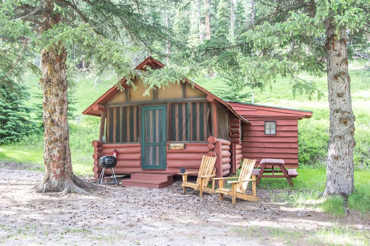 Outpost at Wickiup Cabins