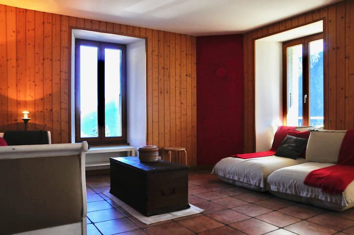 Quiet getaway near Chamonix - Finhaut - Apartment