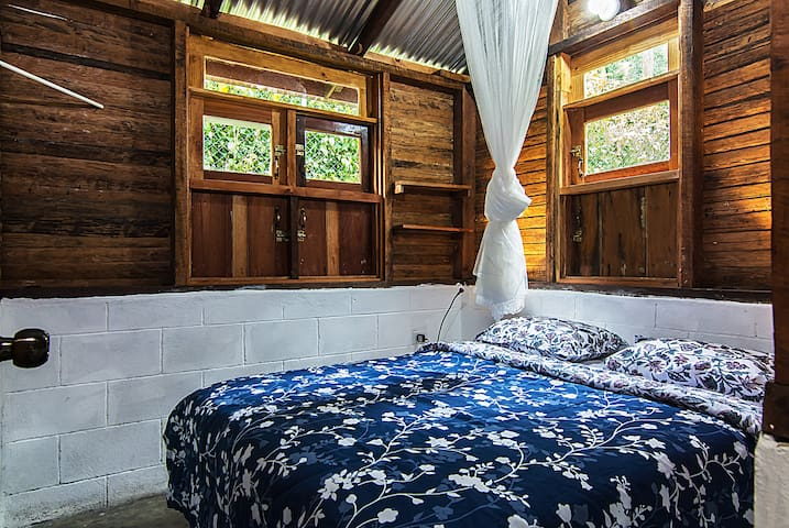Villa Clara:Habitacion privada, 1 o 2 personas - Los Cacaos - Haus
