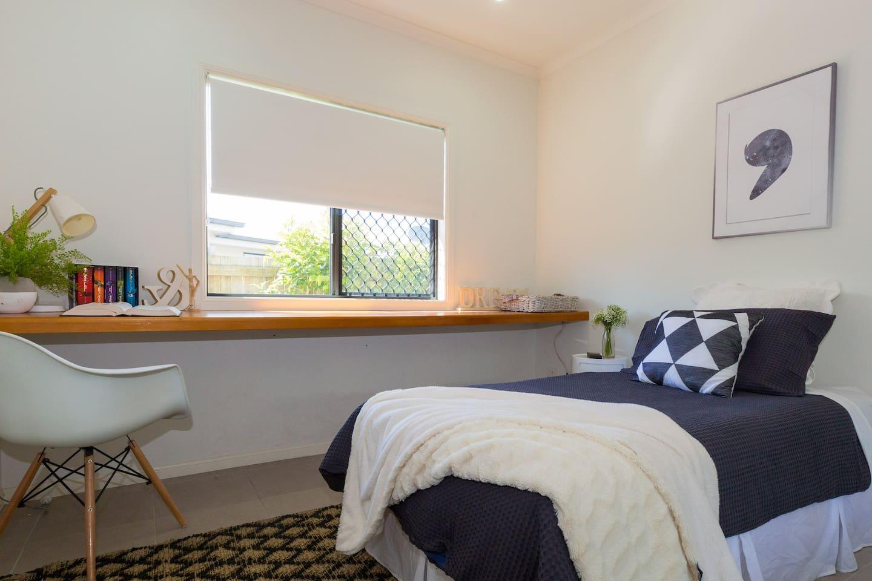 Single Bedroom share main bathroom