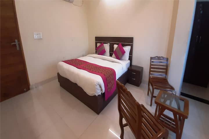 Safe, Sanitized , Luxurious BnB Near Airport-Delhi