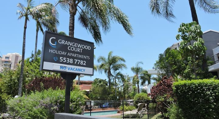 Grangewood Court Boutique Apartment in Broadbeach
