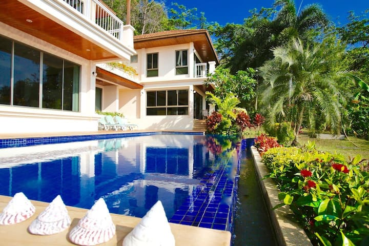 Large Poolside Villa with Ocean Views