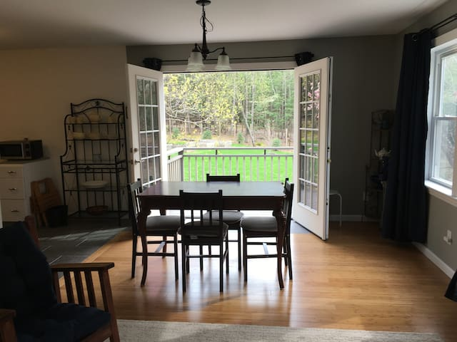 Country private apartment suite 1½ mi to Woodstock