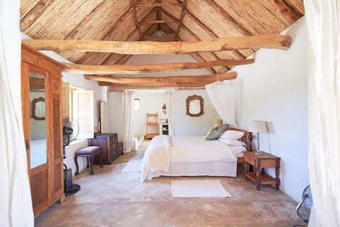'Uitspan' restored Karoo style Barn