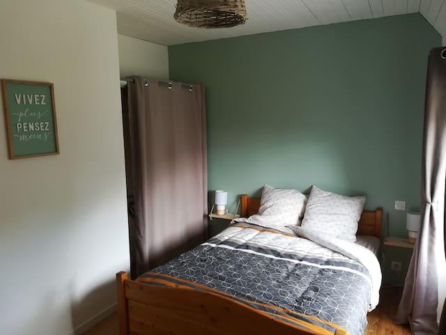 Chambre 2, lit double 140x190