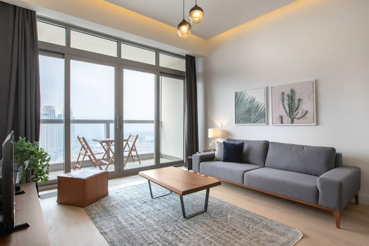 Snazzy 1BR at 42 Maslak with Pool & City View