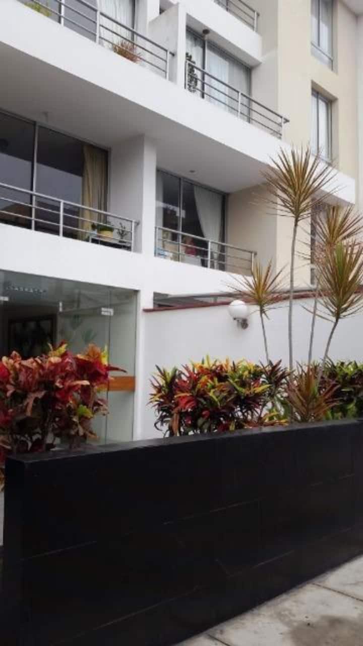 Alojamiento cerca a San Isidro, ideal y atractivo