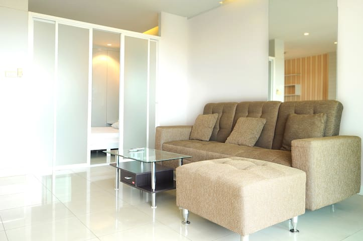 One-room apartment with large swimming pool