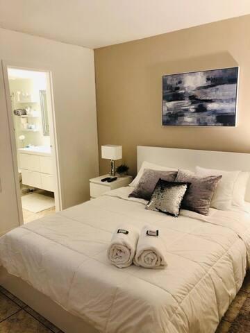 Confortable Privite bedroom in a great location