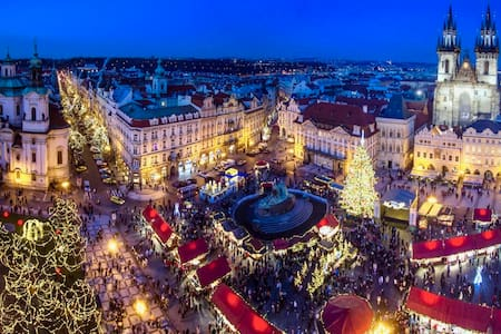New OLD TOWN SQUARE Ap. next CHRISTMAS MARKETS⭐️