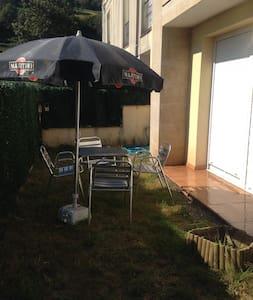 Apartamento con jardín a 10 min de Cabárceno - La Cueva