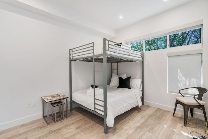 Level 1 - two full size bunk beds fits a maximum of 4 people