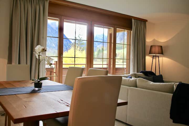 Chalet Edelweiss: Spacious Luxury, Stunning View