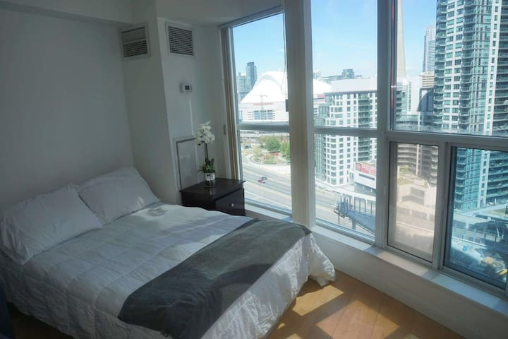 Harbourfront studio condo with view - Toronto - Condominium