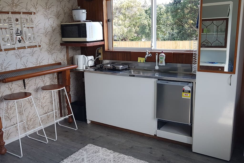 A simple kitchen because who wants to cook on holiday!