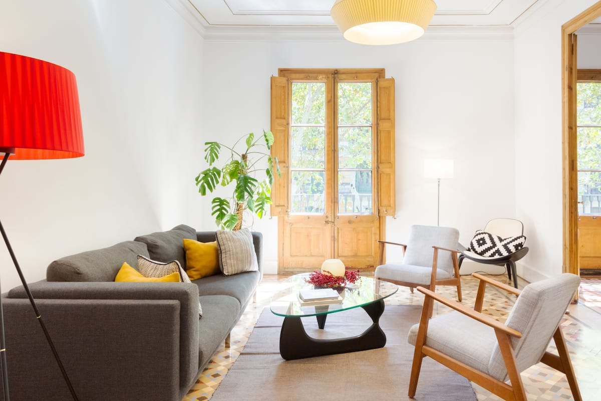 Magnificient modernist apartment in the heart of the city.