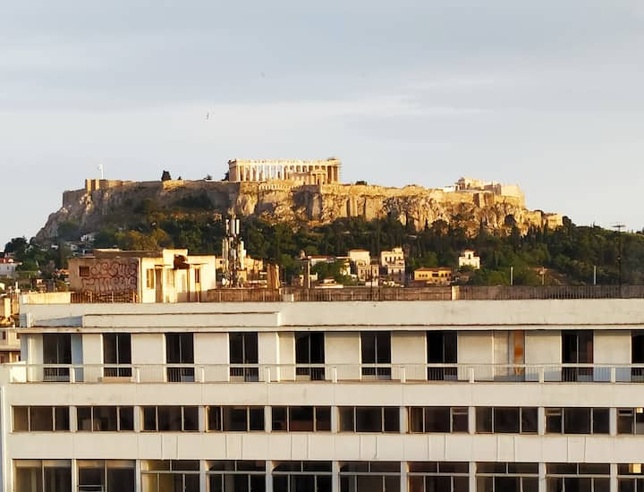 3° 🆁🅾🅾🅼 WITH BALCONY AND ACROPOLIS VIEW 🏛️☀️
