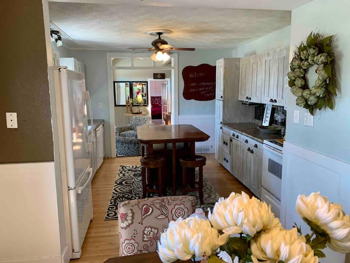 Experience charm! Bright 4 BR~Stylish & Spacious!