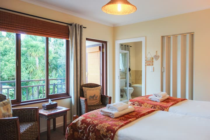 Cherry Berry Guest House - Serengeti Suite