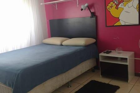 Conforto e segurança no centro de Pelotas - Pelotas - Apartmen