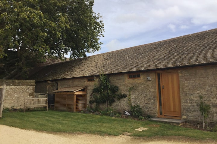 The milking shed - 9 miles from silverstone