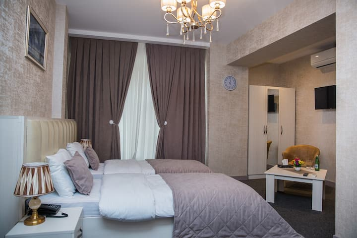 Baku Style Hotel ( Twin room_1)