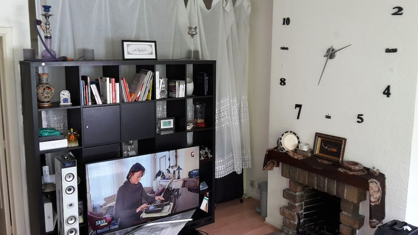 Cosy and attractive furnished flat - Place Flagey - Ixelles - Daire