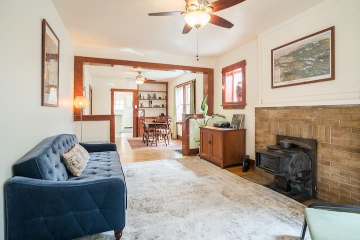 Sunny Cottage in Denver's Hip, Historic LoHi