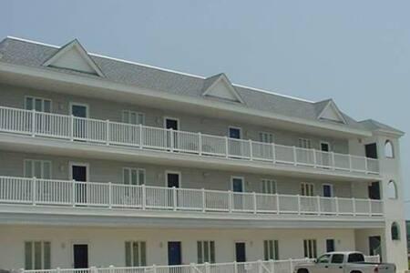 Great Location! Beach & Board Walk 1 block away! - North Wildwood - Wohnung