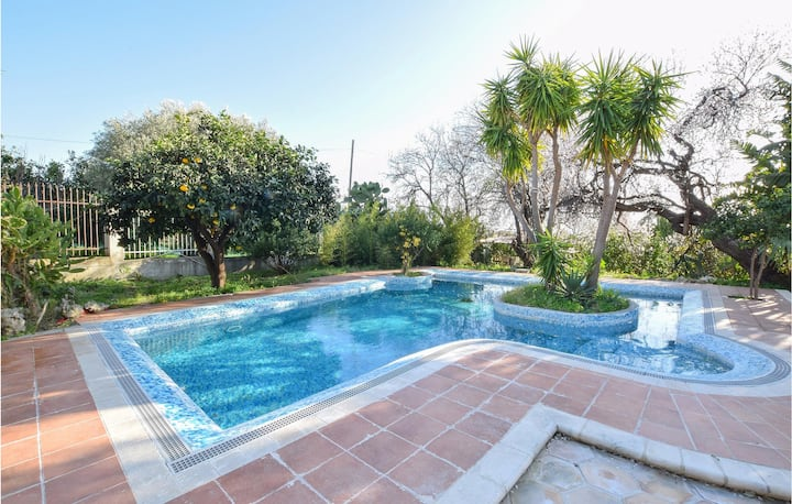 Stunning home in Saline Ioniche with Outdoor swimming pool, WiFi and 4 Bedrooms
