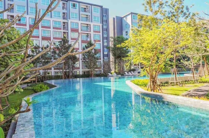 ☘☘ Dcondo Ping #크고 멋진 수영장#豪华公寓+SOFA BED+Netflix ☘☘