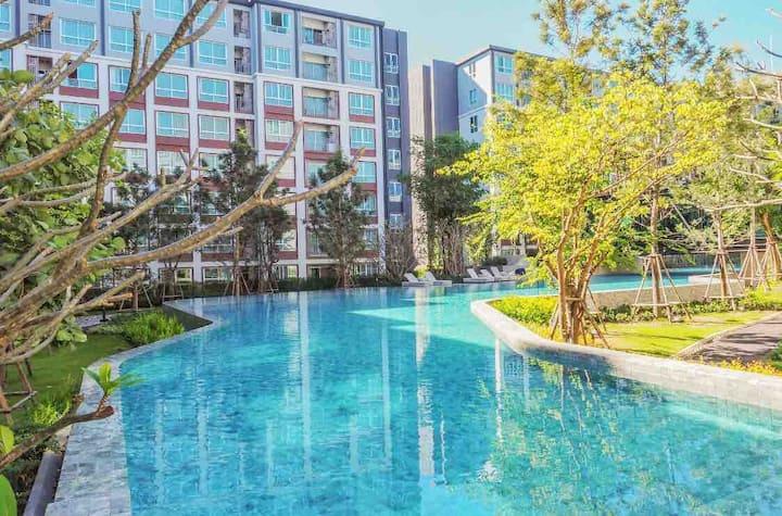 ☘☘ Luxury room #크고 멋진 수영장#豪华公寓+SOFA BED+Netflix ☘☘