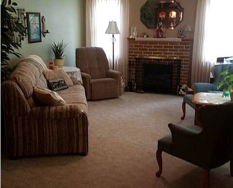 Gloria's Guesthouse, Orange City IA