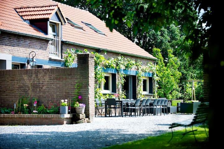 Luxe en landelijke groepsaccomodatie 30 personen - Sevenum - House