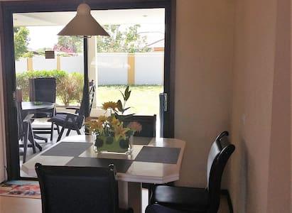 Cozy house located in quiet neighbourhood - Oranjestad
