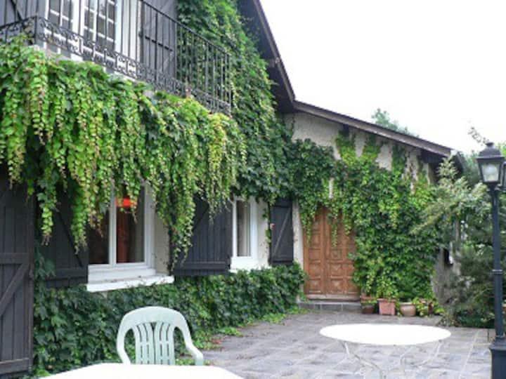 Grande maison proche de Pau