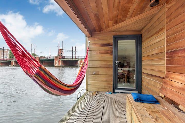 Amazing Houseboat, Premium Spot on Amstel River