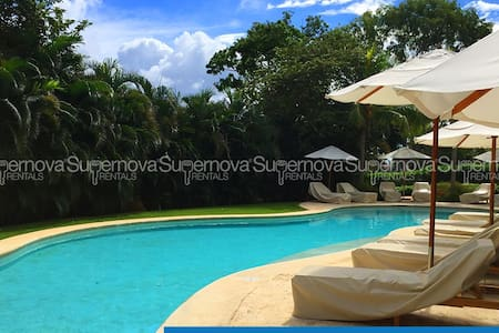 Private Lux Beach Condo w/ Surf and Golf - Guiscoyol - 别墅