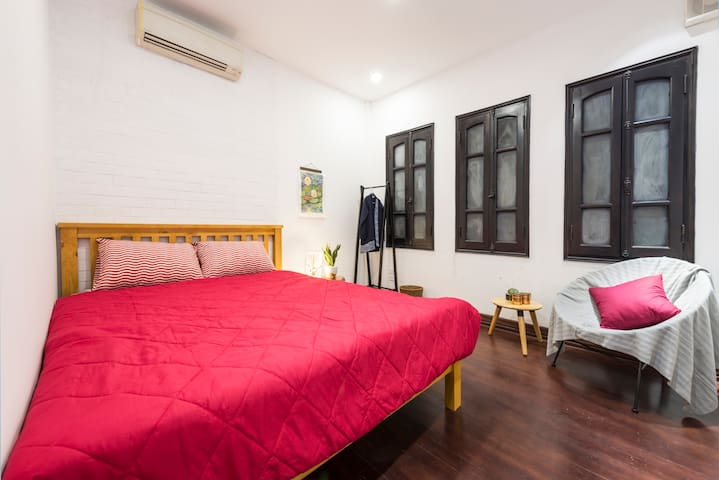 QUITE&COZY room in busy CENTRE - Poonah [10% OFF]