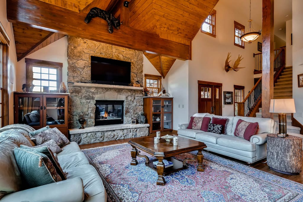 Great Room - Cozy up around the fire after a day full of adventure in the Rockies!