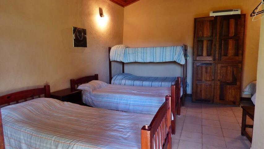 Habitación compartida Posada EL YACARE