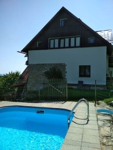 Apartment for 6+1 persons with pool R4195
