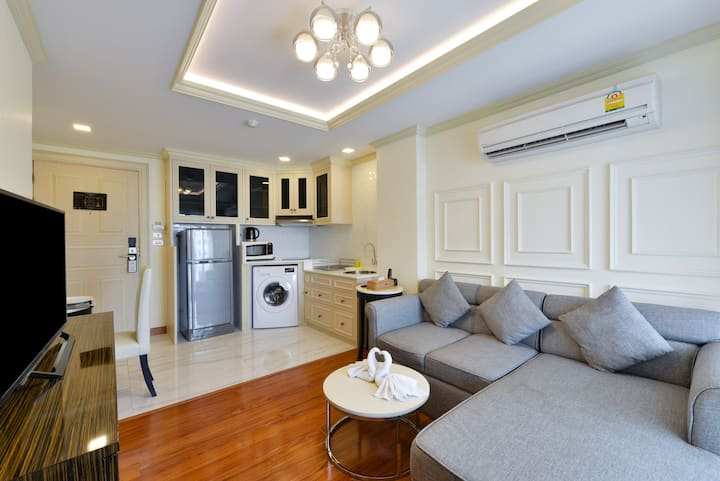 1 BR Apartment Thong Lor 45 sqm- wi fi - pool